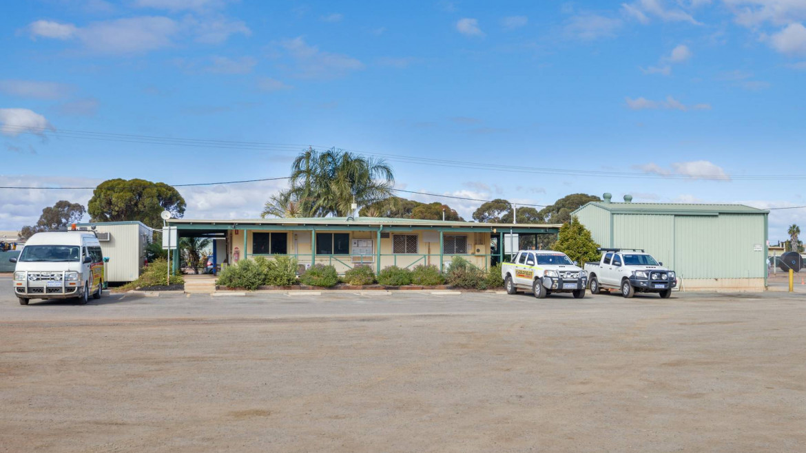 4-12-brooks-way-west-kalgoorlie-image-5