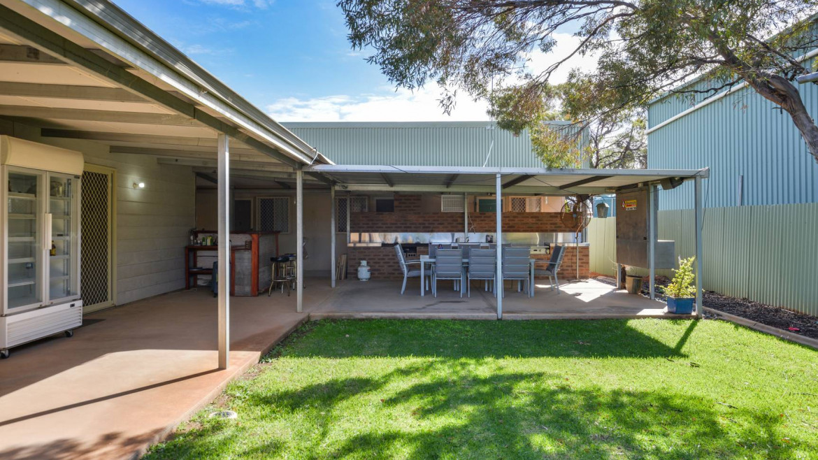 4-12-brooks-way-west-kalgoorlie-image-7
