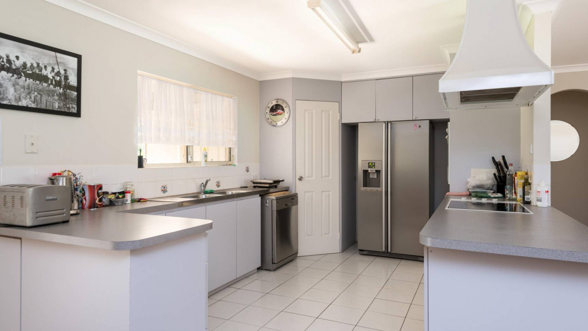 4-12-brooks-way-west-kalgoorlie-image-8