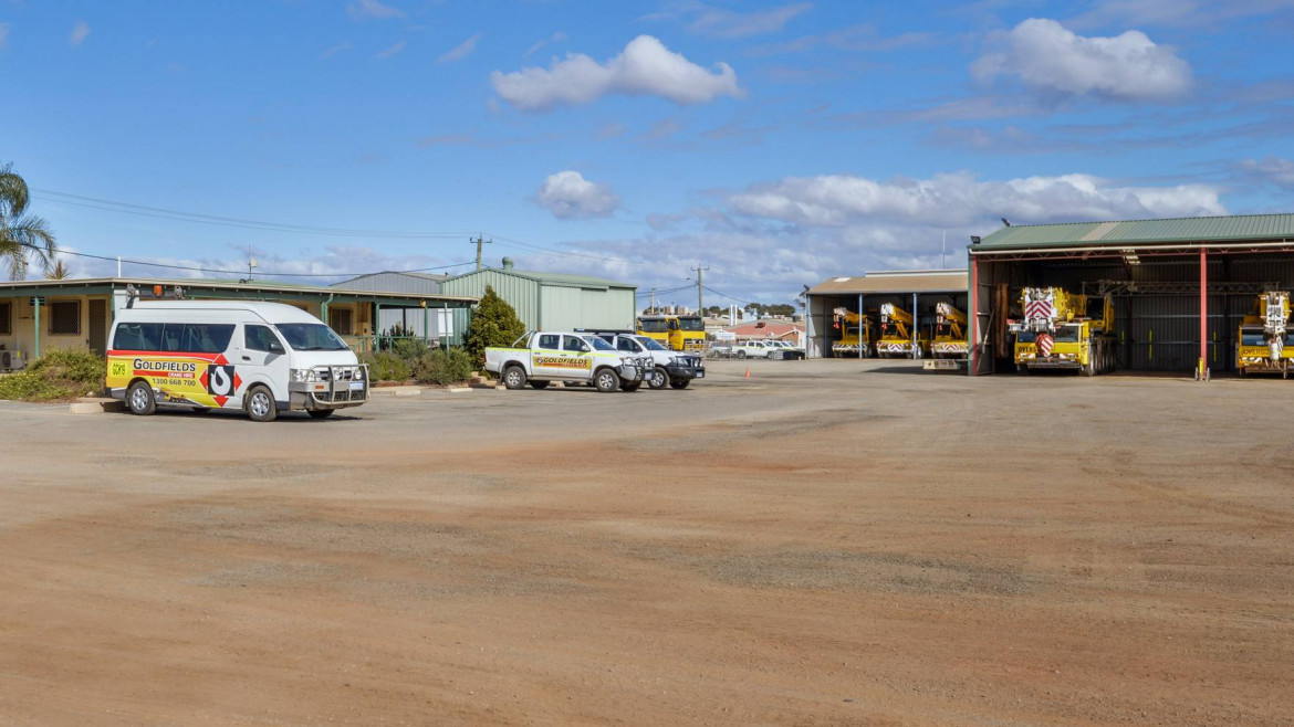 4-12-brooks-way-west-kalgoorlie-image-1